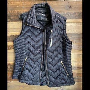 Puffer vest!!